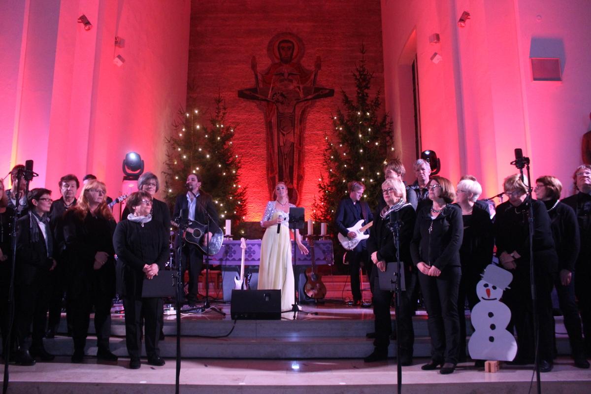 Benefizkonzert-Weihnachtskonzert-2016-d-lite-partyband-marienkirche-geseke-68